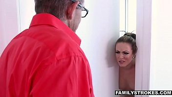 and xvideos sunny husband leone Pixies pillows shows tits