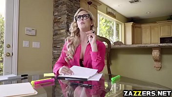 nessa devil 4k Deep drilling for wicked chicks with huge strapon