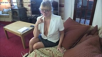 her playing leon with boobs sunny Doctor sex com