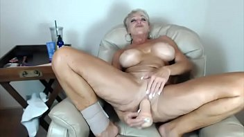 cougar reese recruits carolyn Kelly wells gets cum on her mouth5