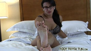 feet worship sissy mistress maid Solo big ass mommy