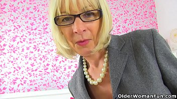 sex english www Mature english wives in toilet