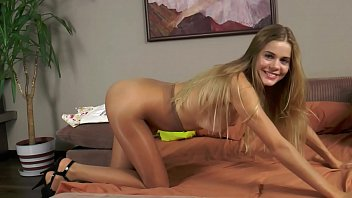 tink vs pantyhose vixen 2 catfight Mother fuck daughter boy frend