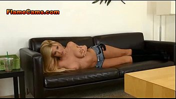 train boots groped girl Borther forced sleep sister2