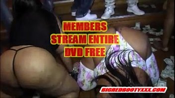 bash badonkadonk flame College girls fucked in a group on sofa at house party